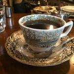 カフェ・ハル - ブレンドのホットコーヒー、ネルドリップです