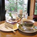 古民家カフェ&ダイニング 枇杏 - りんごのシブーストとブレンドコーヒー