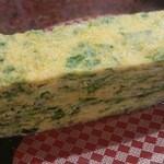 すし 銚子丸 - 焼き立てのシラスと青海苔の卵焼き