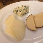 ラ・ピーニャ - とてもおいしいチーズたち