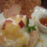36724514 - リンゴと紅茶のライ麦パンケーキ