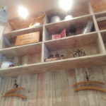 36724554 - カフェには珍しい壁にハンガー
