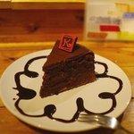 サンダルキッチン - 旧:水曜名物のチョコレイトケーキ。濃厚でおいしい。