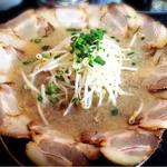 麺屋ばやし - 花びらチャーシュー麺大盛り