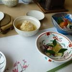 章月グランドホテル - 釜飯定食 お造り、ホタルイカの酢味噌、数の子など