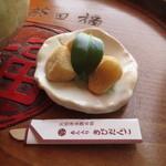 岡山後楽園 福田茶屋 - あんこ入りのきびだんご