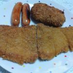 松野精肉店 - 盛り付け例:ロースかつ・メンチカツ