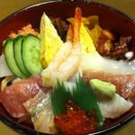 魚がし寿司 - 海鮮丼¥800