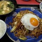 金ちゃんラーメン - 料理写真:焼きそば定食650円也…ヘU^ェ^U オテ!