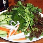 サイゴン - 付け合せ生野菜 (ベトナム風お好み焼き)