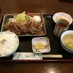 たんと - 料理写真:生姜焼き定食
