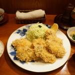 ぽん多本家 - カキフライ(2700円)、ご飯、赤だし、おしんこ(540円)