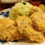 ぽん多本家 - カキフライ(2700円)。牡蠣は三陸の広田湾産。