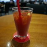 スパイラルカフェ - 完熟トマトジュースはまさかの980円。