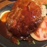 洋食の店 もなみ - ハンバーグと海老フライ(¥1004)