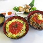 北の味処入丸 - 料理写真:「手前・いくら丼」「右・鮭いくら丼」「奥・ほたて網焼き」