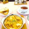 ハンモック - 料理写真:エビグラタン。サラダ、デザート付きで1,178円。ホットのコーヒー、紅茶はお代わりサービス