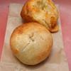 粉花 - 料理写真:プレーンベーグルとチーズベーグル