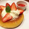 ガスト - 料理写真:いちごとマスカルポーネのパンケーキ( ¨̮ )