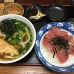 うどんの前田 - うどんと鉄火丼定食