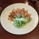 37115702 - 雲白肉(ハーブ豚バラ肉の特製辛味にんにくソース)(1100円)+8%