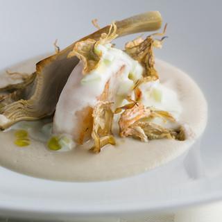 エノテーカ ピンキオーリ - 料理写真:帆立貝とアーティーチョーク ヨーグルトのソース