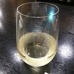 串とも - ドリンク写真:グラスワイン 白