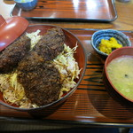 山マタギと海番屋 - ソースかつ丼