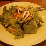 カプリチョーザ - イカとツナのサラダ