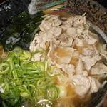 ラーメン工房 はっぴ - 料理写真:肉そば780円 肉うどんみたいな和風ラーメン!こだわりの極上だし!