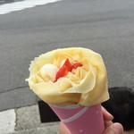 クレープサンク - 料理写真:生クリームいちご(\380)