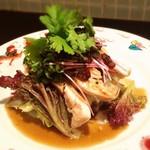 スタンド 末広 - 蒸鶏のポン酢キャビアソース