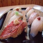 鮨芳 - 料理写真:地魚の鮨 8コ 2300円 当店人気№1ぜひお召し上がりください。