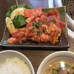 牛國 - 2015/2/13 焼肉盛り合わせ、白飯、スープ