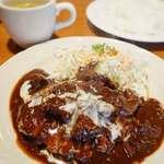 リヨン - 料理写真:ハンバーグ