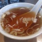 興隆菜館 - ・咖喱炒饭 付属のスープ