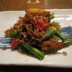 蕎麦屋 山都 - 「春野菜のじゃこ炒め」