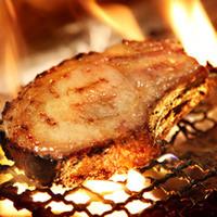 美明豚48時間熟成の骨付きロース炭火焼き(おすすめ)