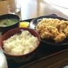ジャンボ亭 - 料理写真:から揚げ定食380円の全景です