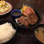 焼肉・山海れすとらん 大地 - ミックスステーキランチ(850円)とスローサラダ
