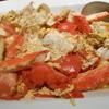 白龍トマト館 - 料理写真:宴会コースではこんな献立も。タラバガニのトマト玉子炒めはダイナミックな見た目も宴会を演出してくれます。リクエストでご宴会でなくてもご予約にて承ります。
