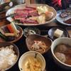 自然薯料理 やまたけ - 料理写真:牛炭火焼膳(凍ったままのお肉) 2100円