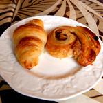SORA - 料理写真:クロワッサンとシナモンロール