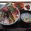 横浜魚市場卸共同組合 厚生食堂 - 料理写真:本日のおすすめ丼\900+大盛り\100