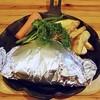 ヒュッテ - 料理写真:ドイツ風ハンバーグは銀紙に包まれてやってきますw