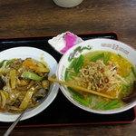 鴻運 - ラーメンセット(台湾塩ラーメン&牛肉飯)
