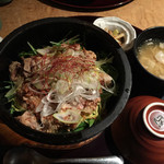 37302566 - 石焼豚角煮丼