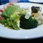 オステリア パーチェ - 前菜盛り合わせ。揚げなすバルサミコ、春キャベツ、新玉ねぎパルメサンソース、南瓜ロースト