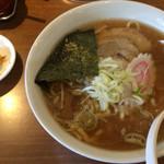 昌平ラーメン - ラーメン 麺少な目 550円