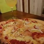 吉祥寺 PIZZA&WINE ESOLA - 同じピザと飲み放題ワインで